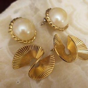 2 pairs of vintage earrings